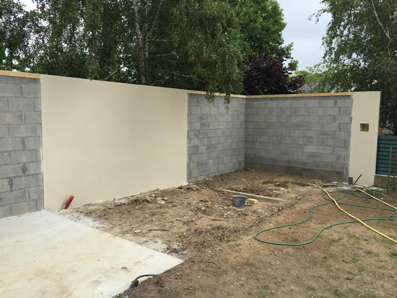 cr ation ou modification de murs de cl ture nantes mur de cl ture en parpaing en plaque b ton. Black Bedroom Furniture Sets. Home Design Ideas