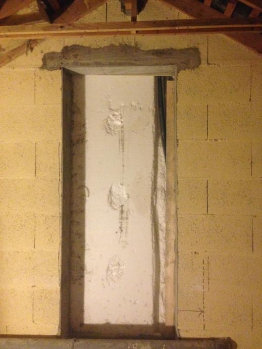 Frangement sur mur parpaings à Sainte Luce sur Loire