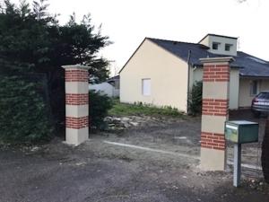 Piliers de clôture à Carquefou