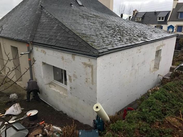 Mise en place isolant sur façade à Morlaix