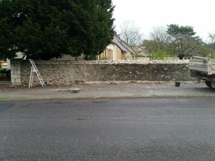 Réfection mur de clôture en pierres