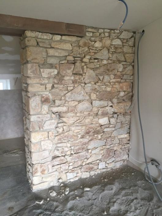 Préparation pour réfection des joints de pierres