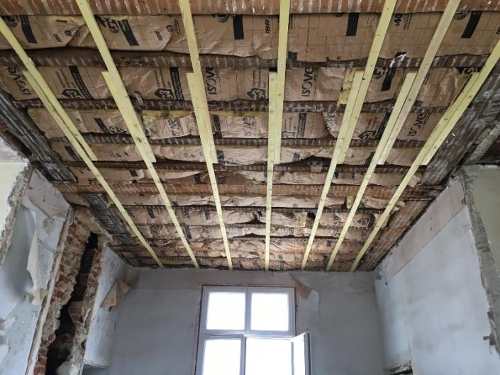 Enlèvement faux plafonds